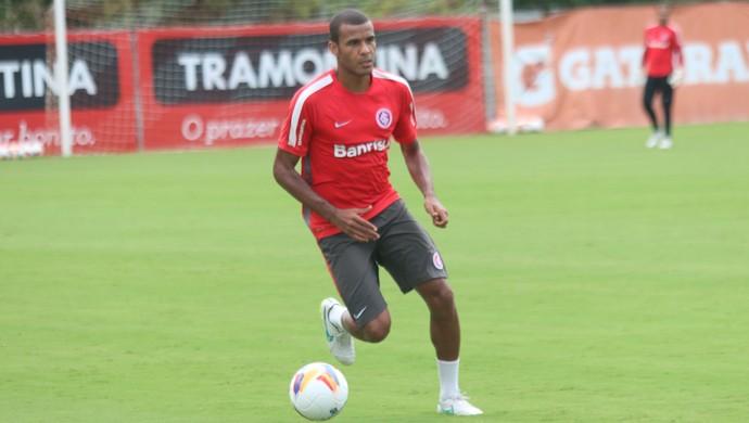 Ernando no treino do Inter (Foto: Eduardo Deconto/GloboEsporte.com)