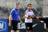 """Jadson comemora retorno e avisa Mano Menezes: """"Estou à disposição"""""""