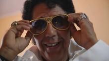 Mário conhece 'Elvis Presley' e anda de moto-carruagem (Divulgação)