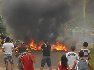 barricada br 308 bragança protesto (Foto: Arquivo pessoal/ Márcio Matos)