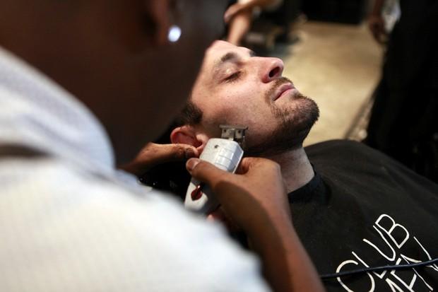 Marcelo Tuber fez o bigode no estilo 'ferradura'  (Foto: Anderson Barros/EGO)