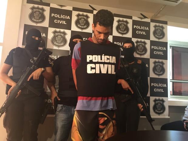 Homem tinha 9 mandados de prisão em aberto por homicídios em Goiás (Foto: Murillo Velasco/G1)