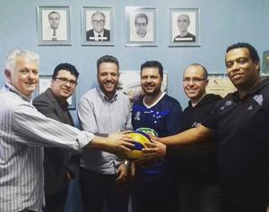 Clubes participantes se reuniram para definir calendário do Mineiro (Foto: Divulgação / FMV)