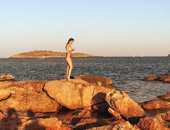 Mariana Ximenes exibe ótima forma física em praia da Espanha (Foto: Reprodução Instagram)