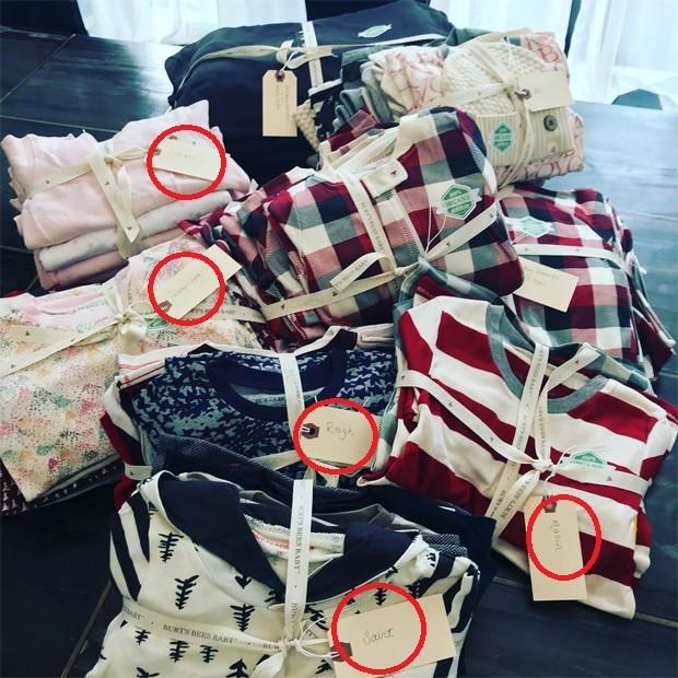Kris Jenner mostra kits para presentear os netos (Foto: Reprodução/Instagram)