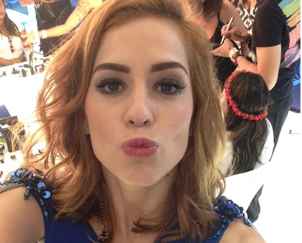Sophia Abrahão faz selfie com novos cabelos (Foto: Gshow)
