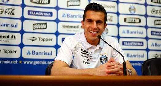 só sorriso (Lucas Uebel/Grêmio FBPA)