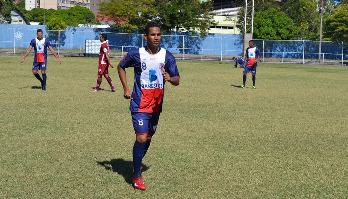 Colatina estreou uniforme inspirado no PSG (Foto: Richard Pinheiro/Globoesporte.com)