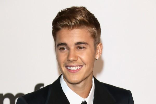 A relação do público com Justin Bieber não tem meio termo: fãs obcecados ou ódio mortal. Apesar do enorme sucesso no ínicio de sua carreira, suas atitudes recentes só têm contribuído para aumentar a lista de pessoas que o odeiam (Foto: Getty Images)