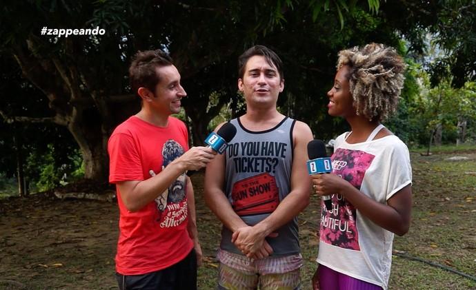 Titia Tal Qual é desafiada no 'Zappeando' (Foto: Rede Amazônica)