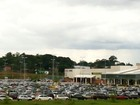 Jovens causam tumulto em shopping (Janine Brasil/G1)
