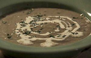 Sopa de lentilhas vermelhas e castanha