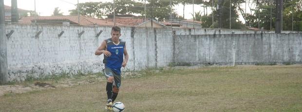 Anderson Paraíba, meia do CSP (Foto: Lucas Barros / Globoesporte.com/pb)