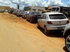 Motoristas enfrentam longas filas em postos com falta de combustível