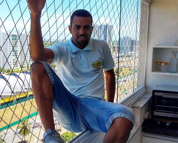 Luis Paulo Mendes, da Rede Salvar, testava a eficácia do seu serviço se jogando em sacadas (Foto: Divulgação)