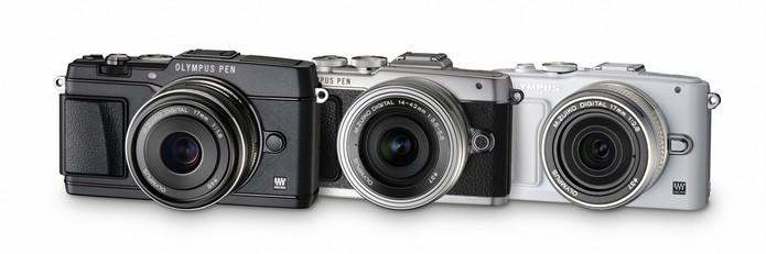 Câmera da Olympus possui tela móvel para ajudar usuário a fazer selfie  (Foto: Divulgação/Olympus)