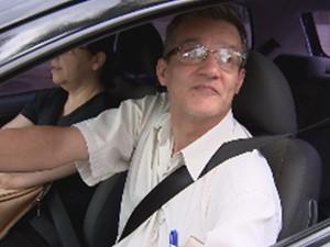 O aposentado Aparecido José diz que a sinalização está muito mal feita (Foto: Reprodução/TV TEM)