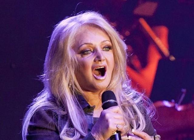 Bonnie Tyler na última turnê, em 2013 (Foto: Reprodução)