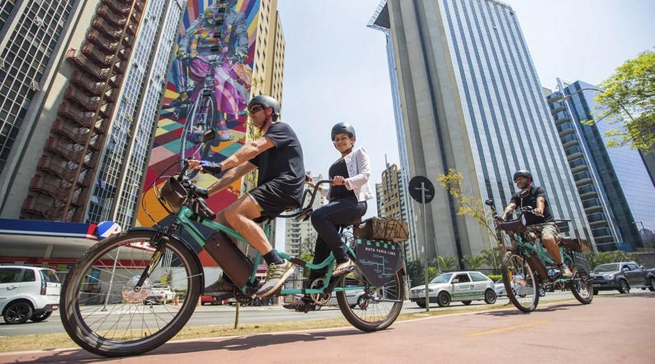 O aplicativo Bikxi, mistura de bike com táxi, estreou em ciclovia da Faria Lima (Foto: Estadão Conteúdo)