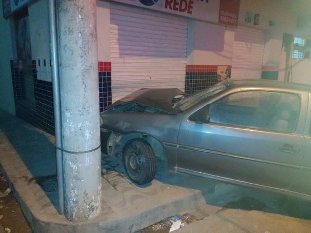 Homem é preso após bater carro roubado em Cana Verde (MG). (Foto: Divulgação/Redes Sociais)
