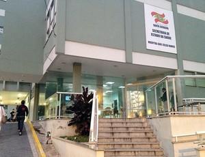 Emergência do Hospital de São José surfista Ricardo dos Santos (Foto: Dani Walzburiech)