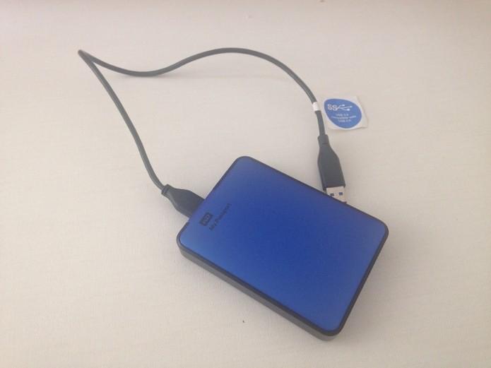 Cuidados com HD externos ajudam a não danificá-lo (Foto: Reprodução / Laura Martins)
