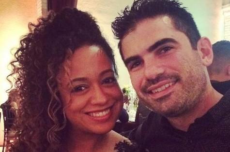 Aretha Oliveira e o marido, Sebastian Goldberg (Foto: Reprodução)