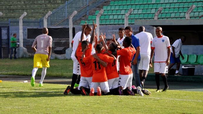 Comemoração do gol do Osvaldo Cruz no Estádio Prudentão  (Foto: Cristiano Nascimento / Assessoria)