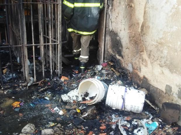 carceragens da Casa de Custódia quebradas (Foto: Ellyo Teixeira/G1)