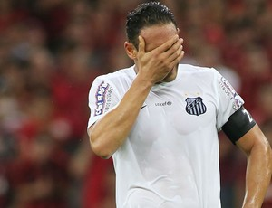 Ricardo Oliveira lamenta chance (Foto: Giuliano Gomes/PR PRESS)