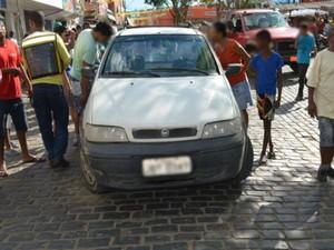 Assaltantes chegaram à cidade numa picape branca. (Foto: Jackson Cristiano/Ubaitaba Urgente)