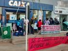 Camponeses deixam agências bancárias após protesto em Goiás