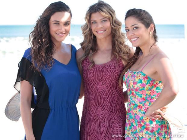 Débora Nascimento, Grazi Massafera e Gisele Alves (Foto: Flor do Caribe/TV Globo)