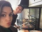 Na cozinha: Thais Fersoza e Michel Teló mostram almoço de domingo