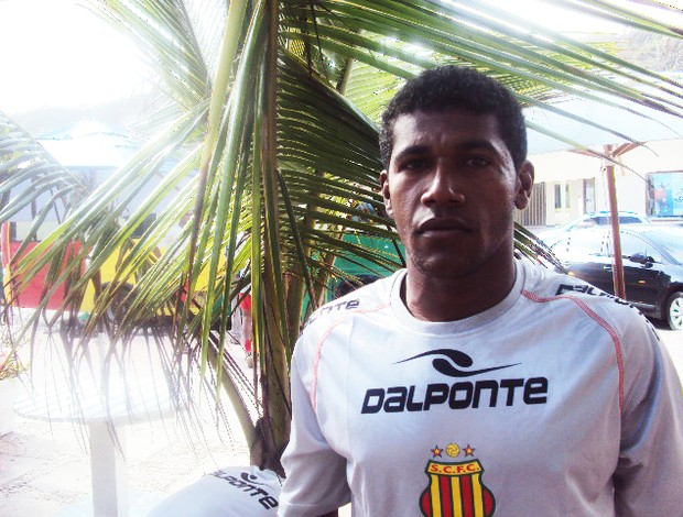 Deca é um dos jogadores com mais tempo de clube do atual elenco do Sampaio (Foto: Afonso Diniz/Globoesporte.com)