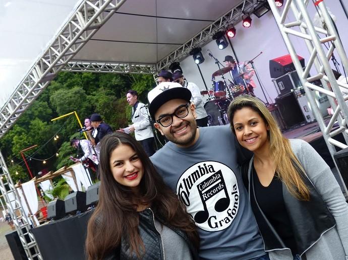 Willian foi ao evento bem acompanhado pela namorada e pela irmã (Foto: Divulgação/RPC)