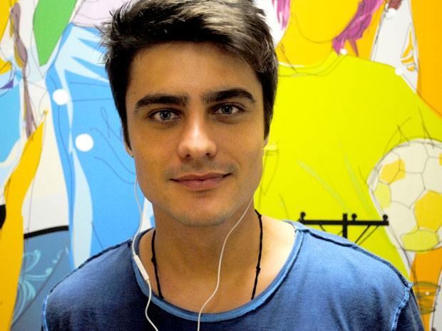 Guilherme Leicam se amarra na música do rapper Criolo (Foto: Foto: Malhação / TV Globo)