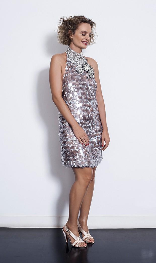 Ucha usa vestido Miu Miu e sandálias Lanvin (Foto: Fotos: João Bertholini / Getty Images / Imaxtree / Divulgação / Reprodução / Beleza: Ale Fagundes (Capa MGT) com produtos Dior)