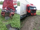 Batida com carreta deixa 2 feridos e carro parcialmente destruído na BA