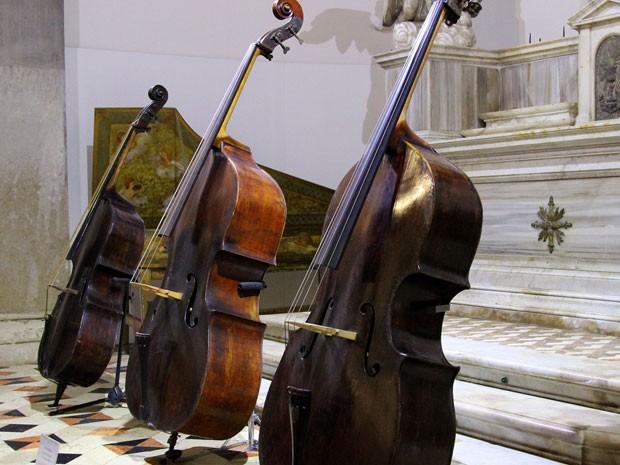 Instrumentos do Museu da Música, em Veneza (Foto: Michelle Locke/AP)