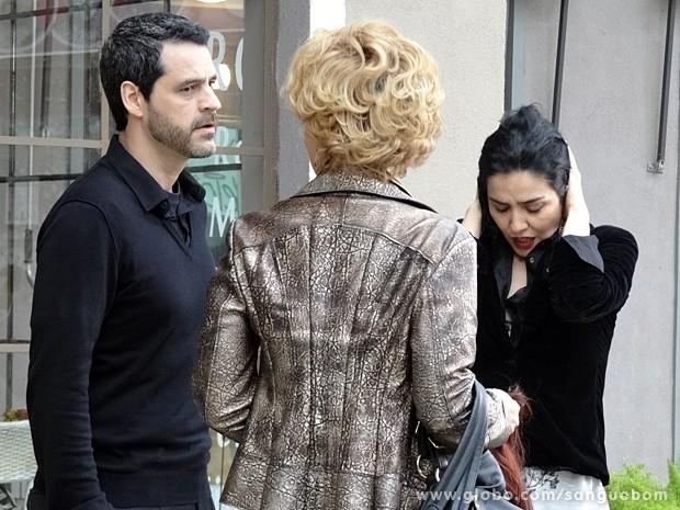 Natan não acredita no que vê!! (Foto: Sangue Bom / TV Globo)