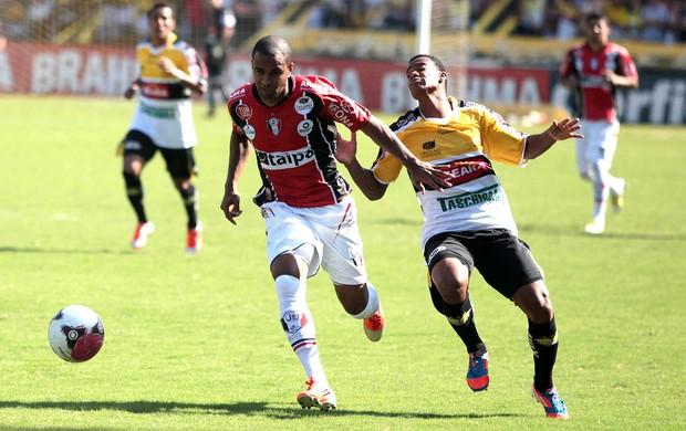 jogo entre Criciúma e Joinville (Foto: Fernando Ribeiro / Ag. Estado)