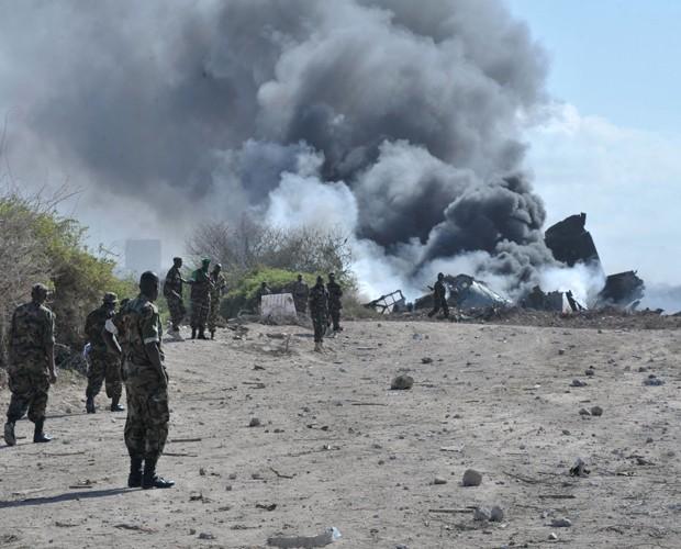 Queda de avião na Somália mata quatro pessoas (Foto: AP)