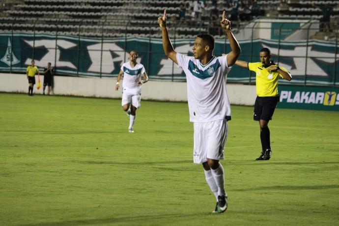 Com três gols, Roberto Pitio foi o nome da goleada do Gama por 5 a 0 (Foto: Douglas Oliveira / Gama)