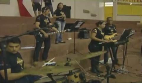 A banda Ide Evangelizar se apresentou na abertura dos jogos (Foto: Bom dia Amazônia)
