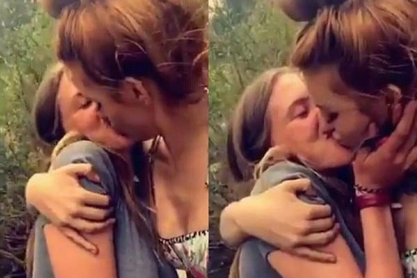 Bella Pendergast e Bella Thorne aos beijos no início de setembro (Foto: Reprodução)