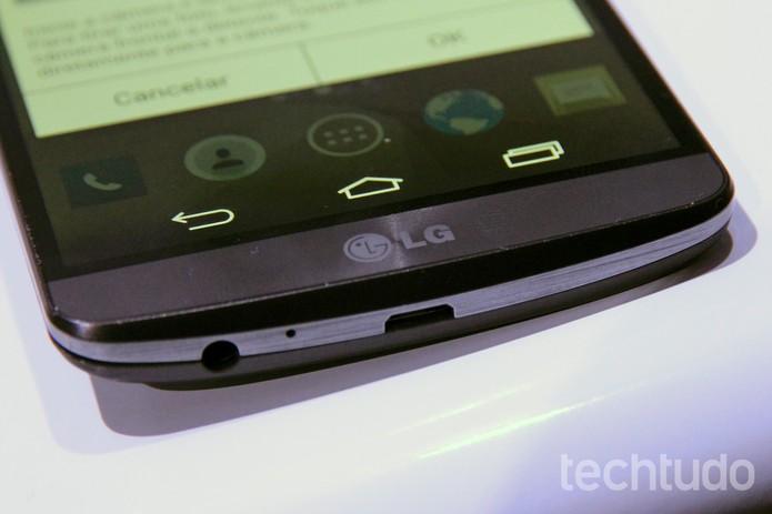 Detalhe da entrada microUSB e de fone de ouvido do LG G3 (Foto: Isadora Díaz/TechTudo)
