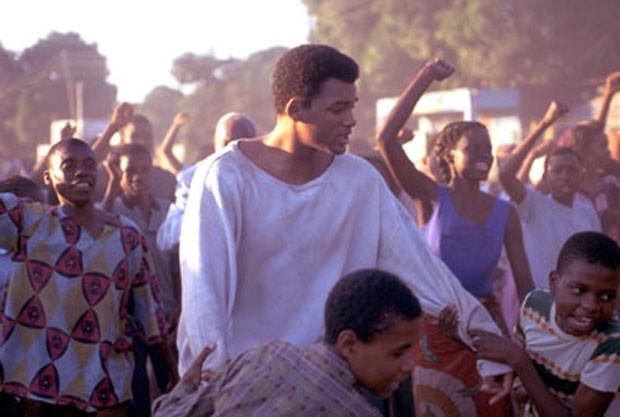 """Will Smith foi indicado ao Oscar por sua interpretação de Muhammad Ali no longa """"Ali"""", de 2001. (Foto: Divulgação)"""