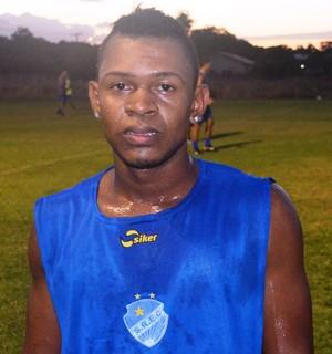 Enival é atacante, já passou pelo GAS e fora de RR jogou pelo Santa Cruz (SP) por um ano (Foto: Tércio Neto/GloboEsporte.com)