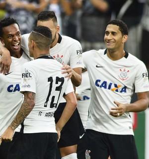 Gol Jô Corinthians x Santos (Foto: Marcos Ribolli)